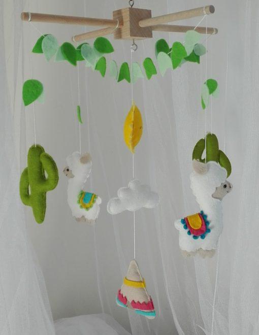Mobile bébé lamas cactus