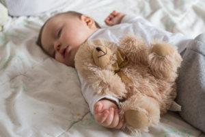 bébé sur matelas 60x120