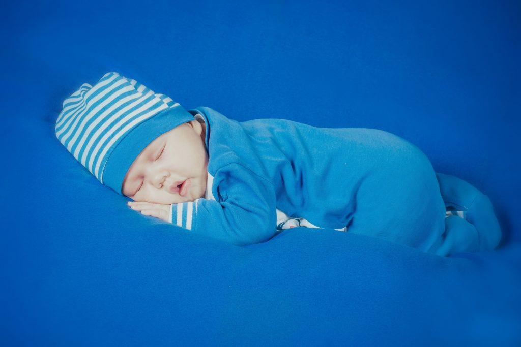 A partir de quel mois bébé👶 peut dormir sur le ventre ?