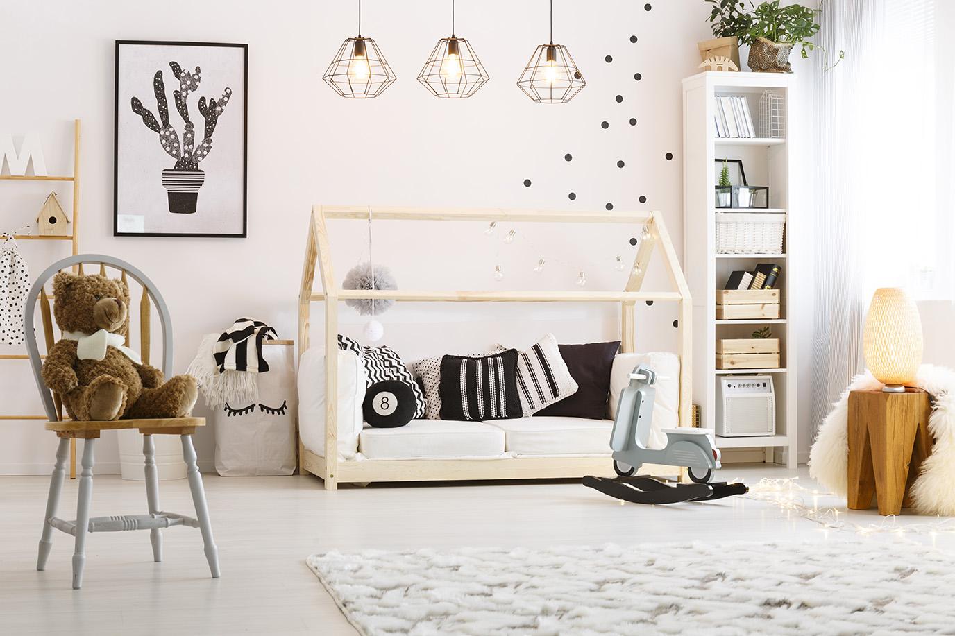 lit Montessori au sol pour bébé