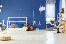 un lit ou matelas Montessori pour l'épanouissement de l'enfant